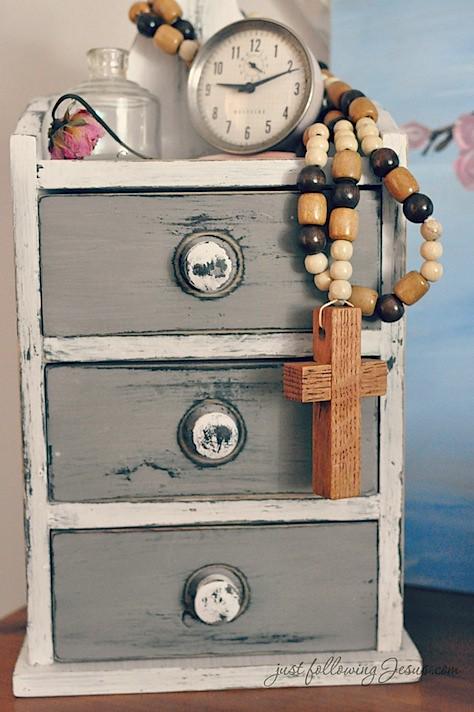 Jesus beads 1.jpg