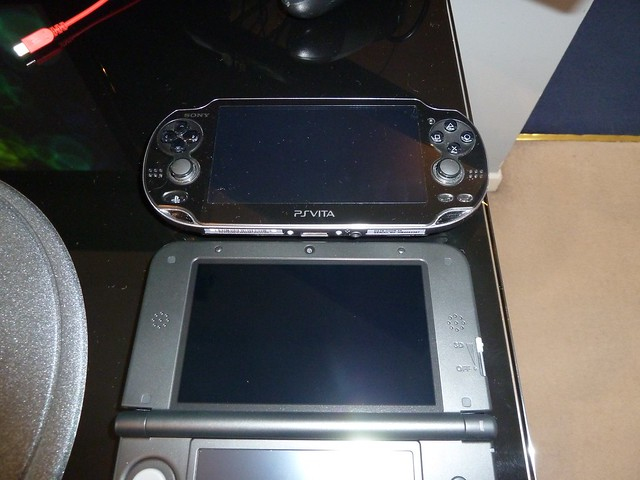 Screen size compared to the vita