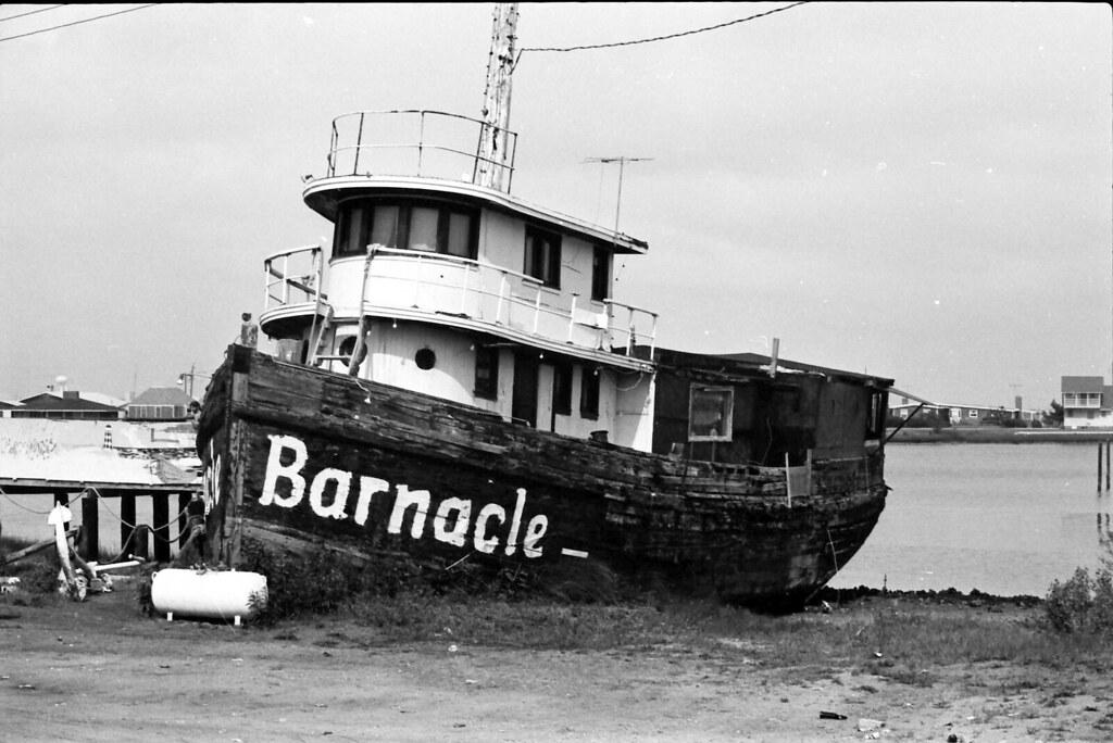 Barnacle Tugboat