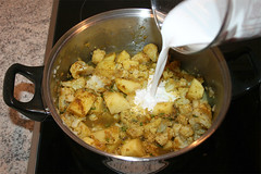 28 - Kokosmilch hinzufügen / Add coconut milk