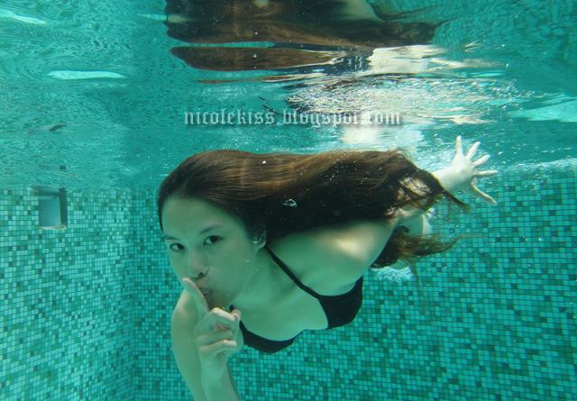 nicolekiss underwater