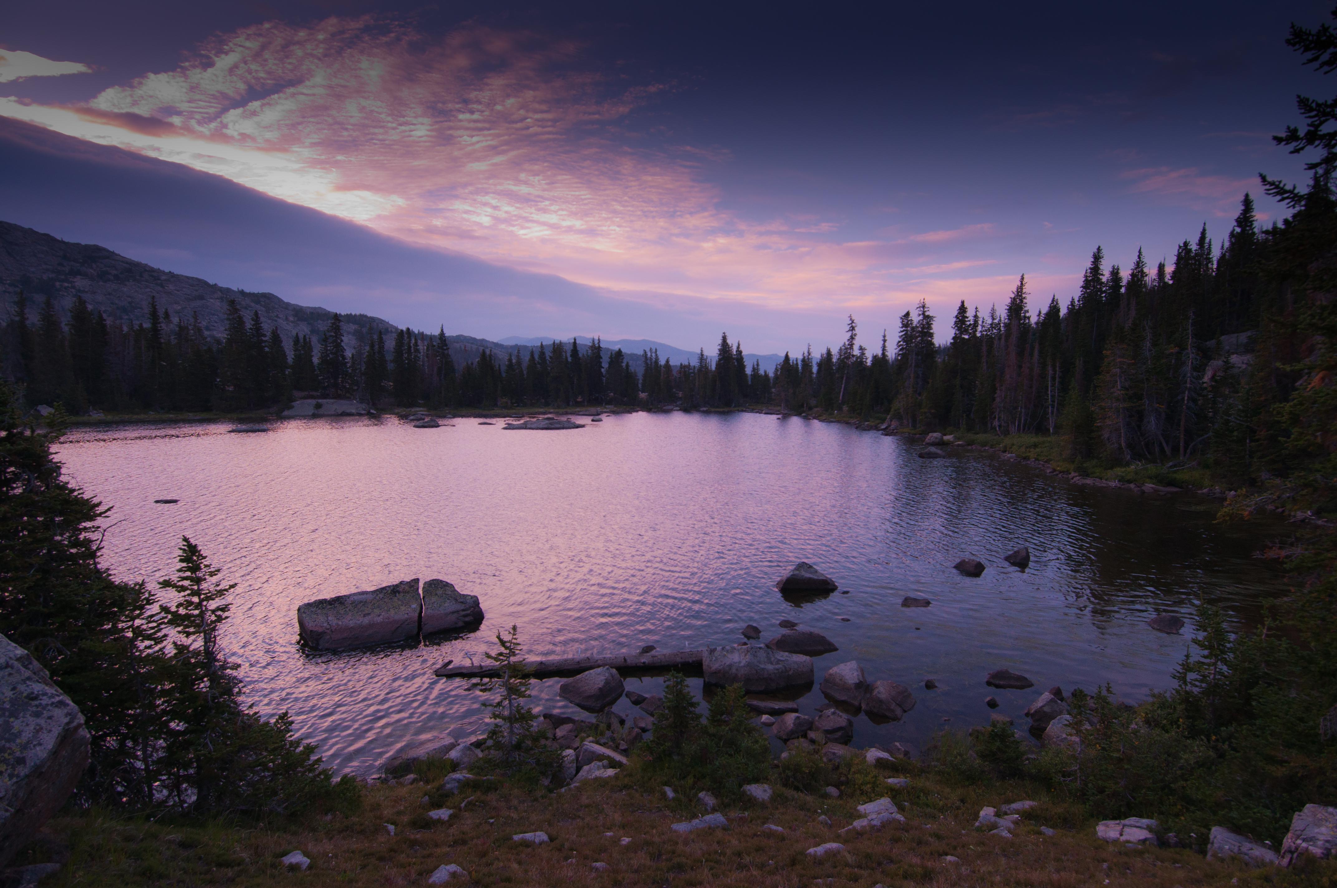 アメリカ合衆国 〒 ワイオミング州 ビッグホーン山脈日の出日の入り時間