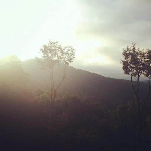Finally the sun shows its gaffe ☀ #hickscabintrip12