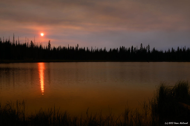 Smoky-Sunset-over-Lilly-Lake