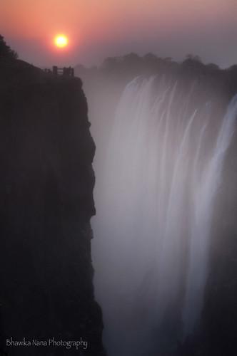 light colours low waterfalls victoriafalls zambia suset livingstone mosioatnya