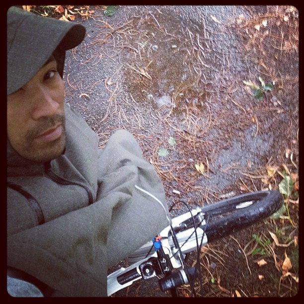 Rainy day dry ride courtesy of @cleverhoods. Do you use a cape?  #raincape #bikeTO