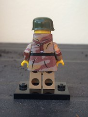 Lego WW2, Italian paratrooper with trench coat, by Yazyas