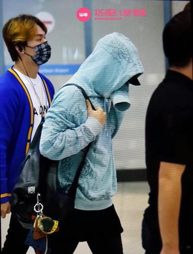 BIGBANG arrival ICN Seoul from Taiwan 2015-09-28 (26)