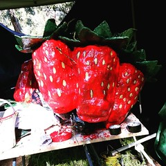#Plums and #strawberries ready for the next installment of Iof Still Life with # Fruit, just a bit late for the beginning of #spring.  #publicart #publicsculpture #plantnursery #streetart_daily #streetarteverywhere #streetart_official #streetartmelbourne