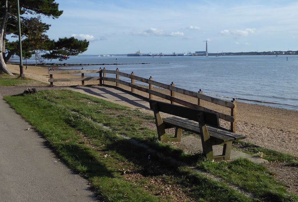 Royal Victoria Park, Netley Botley to Netley walk