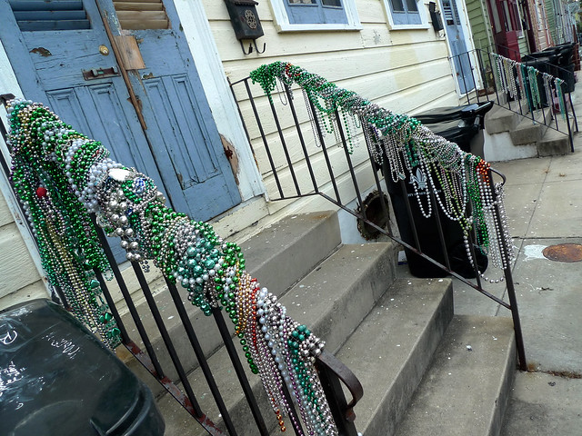 Beaded bannister