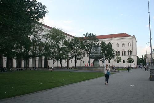 Geschwister-Scholl-Platz - Ludwig-Maximilians-Universität München