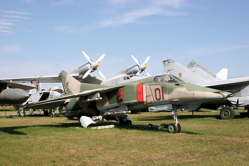 Mikoyan-Gurevich MiG-27 01 red
