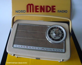 NORDMENDE Portable Transistor Radio Model MAMBINO in White (W-Germany 1962)