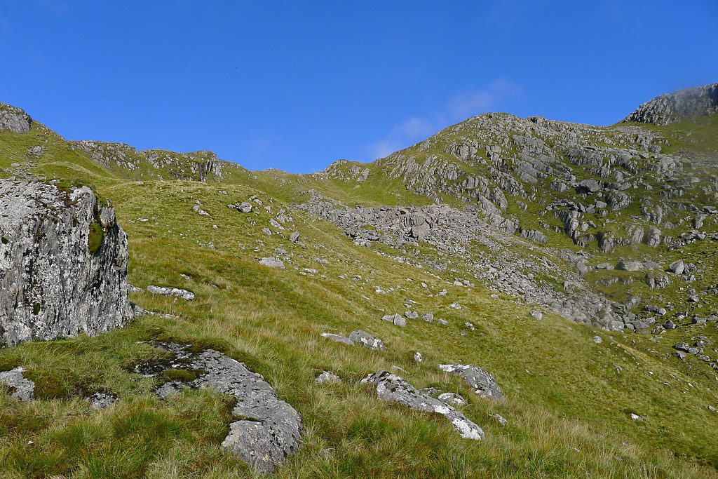 Climbing the eastern side of Luinne Bheinn