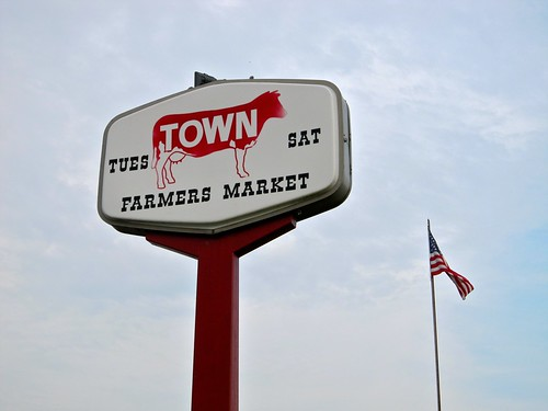 Cowtown Farmers Market Sign