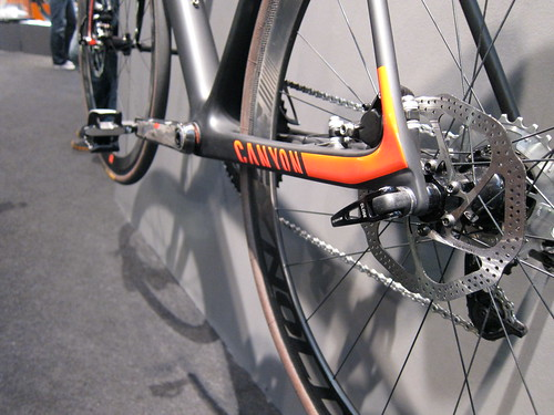 Canyon road w/disc brakes
