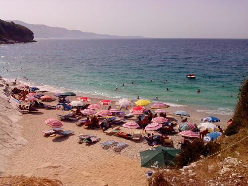 Plazhi Pulebardhat by Ylbert Durishti