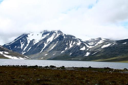 Lake Bessvatnet