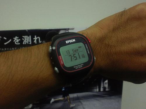 d1141afe9d エプソン Wristable GPS(SS-500R)皇居一周レビュー - うろぐ