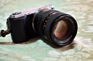 Sony NEX-C3 with Carl Zeiss Planar 1.4/50 T* C/Y