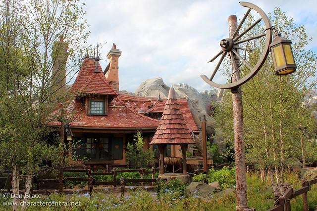 Wandering around Maurice's Cottage