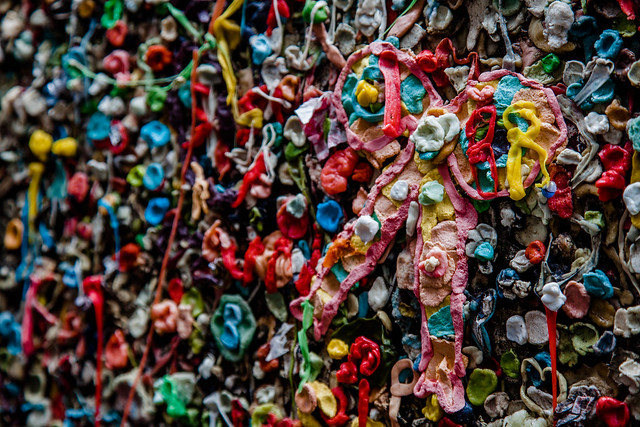 Gum Wall [EOS 5DMK2 | EF 24-105L@85mm | 1/125s | f/5.0 | ISO400]