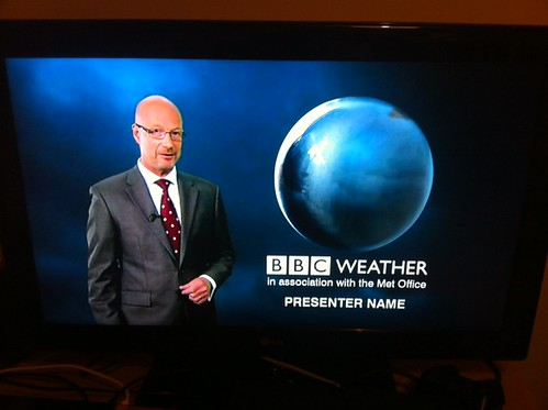 Unidentified weather presenter on BBC1. #nowpic by benparkuk