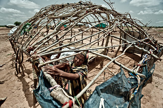 Building shelter at the Mentao Nord camp in Burkina Faso