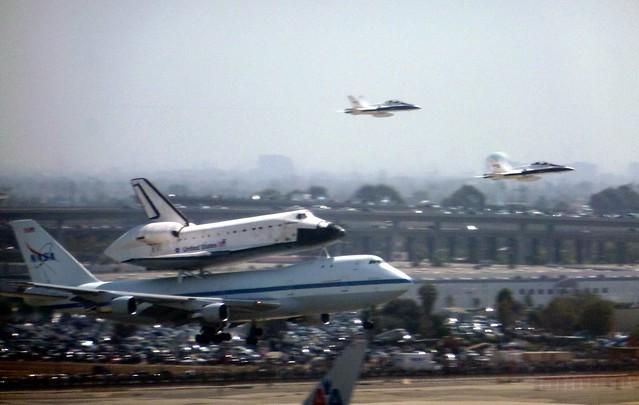Endeavour Landing 1