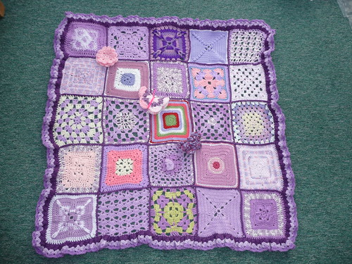 Thank you for these gorgeous squares. So pretty!