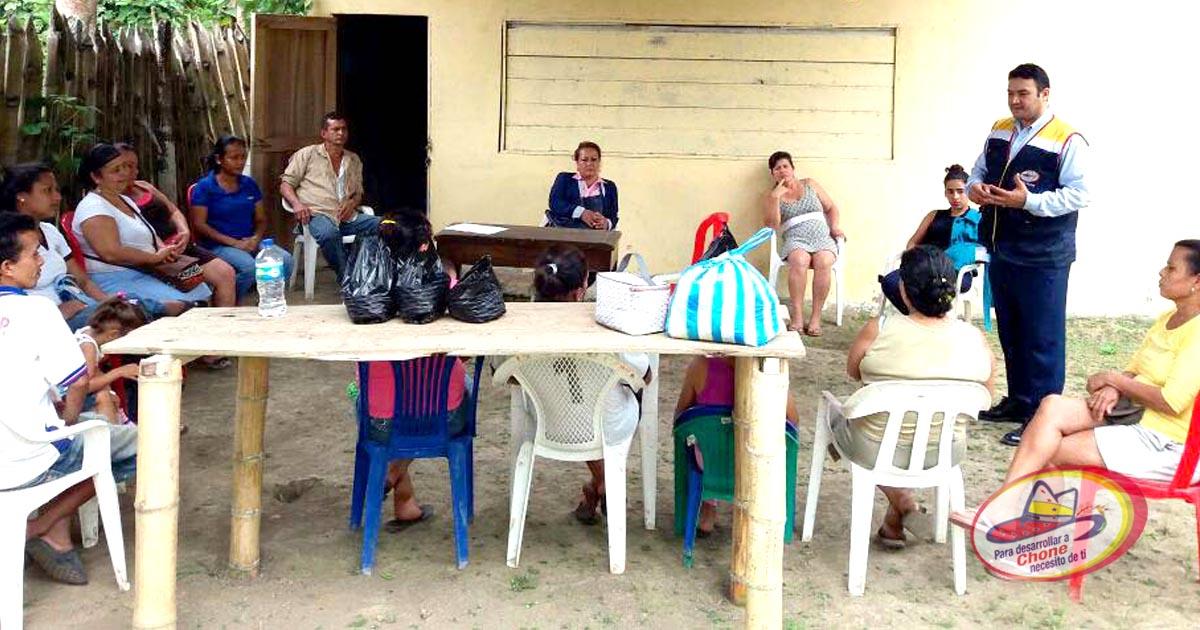 Inauguración de taller de arreglos para el hogar en el sitio La Rucha