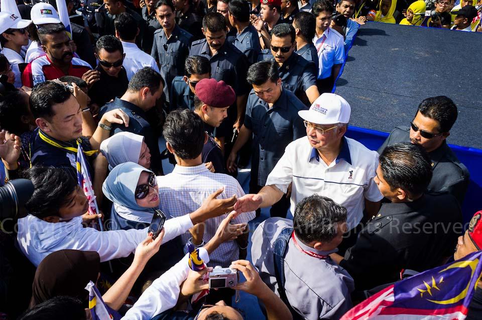 Dato' Sri Haji Mohammad Najib (Malaysia PM) shaking hand with the crowd @ Malaysia Independence (Merdeka) Day Celebration, Dataran Merdeka, KL, Malaysia