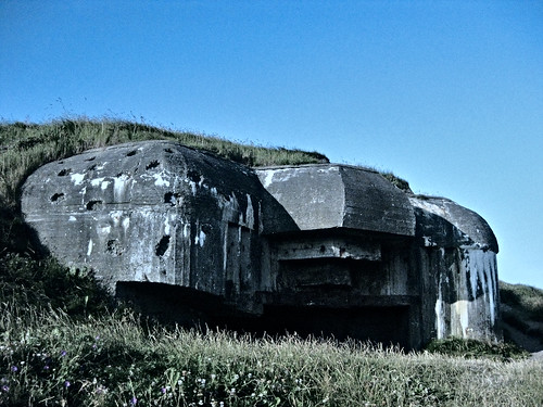 (Not) Bullet riddled bunker in der Atlantikwall
