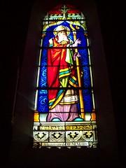 Vitrail de l'église à Saint-Jean-Saint-Maurice-sur-Loire (Loire)