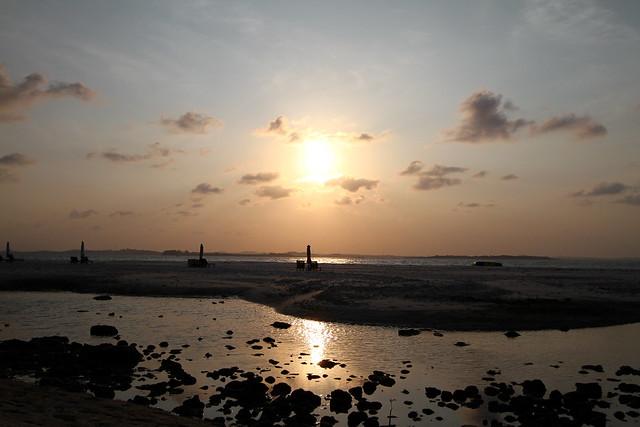 Nikoi Island: Sunset