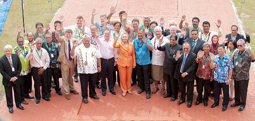 Secretary Clinton and Delegates to the Pacific Islands Forum pose for a family photo at the Cook Islands National Auditorium, August 31, 2012. [State Department photo by Ola Thorsen/ Public Domain]