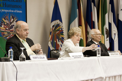 OAS Secretary General Participates in Human Rights Course in Costa Rica