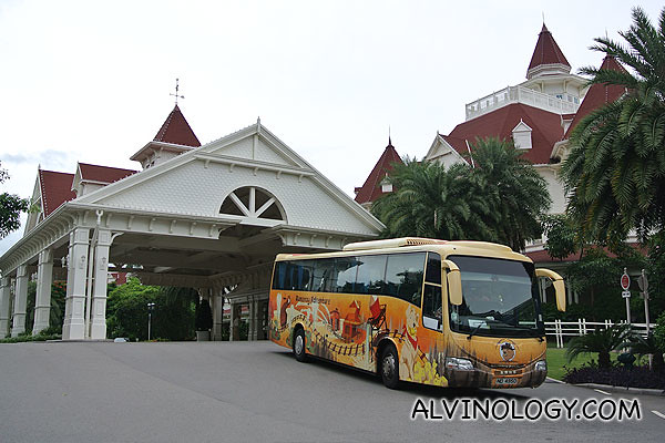 We took a free shuttle transfer from Disneyland Hollywood Hotel to Disneyland Hotel for lunch