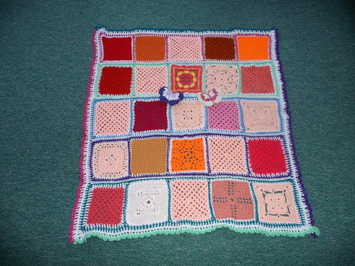 Thanks to 'The Wool Stop' for assembling. Thanks to everyone for contributing Squares.