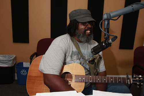 Alvin Youngblood Hart performs in the studio.   Photo by Parisa Azadi.