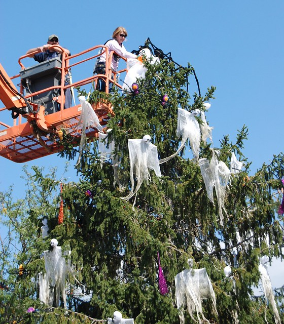 Decorating Holiday World's Halloween Tree