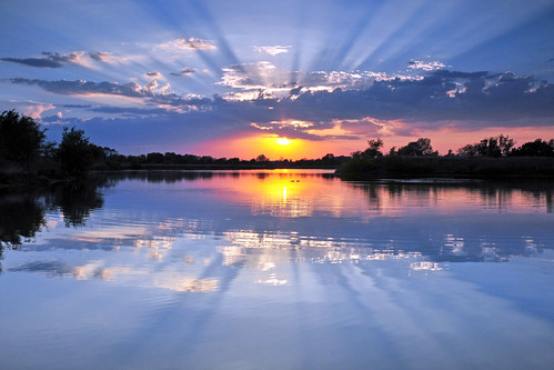 sunset reflections kansas rays wichita chisholmcreekpark
