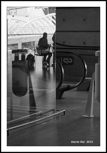 Reflection On Travel - Oriente Station Lisbon X0929e
