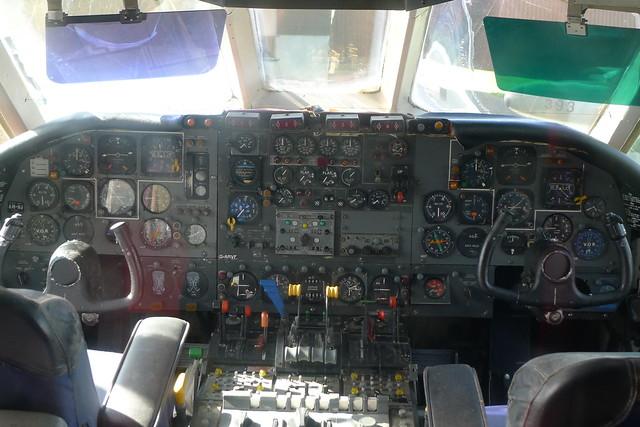 Flight instruments: Vickers VC 10