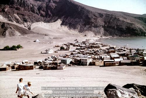 sea beach landscape coast scenery 1966 1967 yemen 1960s 1965 aden publish scannedslide onflickr gulfofaden arabianpeninsula littleaden adenharbour voigtländervitoc birfuqum