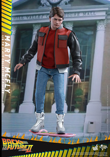 Hot Toys – MMS379 – 回到未來II【馬帝】1/6 比例 Marty McFly Back to The Future Part II