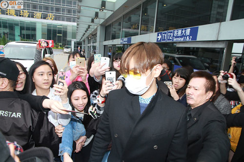TOP arriving Hong Kong 2015-03-13 04