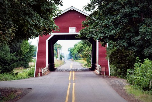 Shimanek covered bridge, Oregon