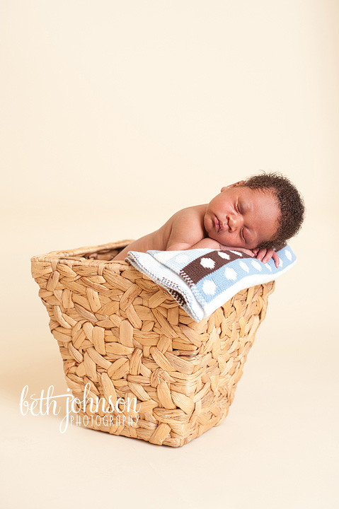 tallahassee florida newborn photography baby in basket